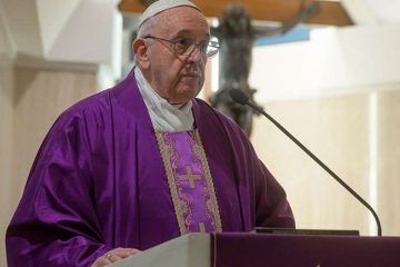 El Papa reza por los médicos y trabajadores de la salud que están dando sus vidas