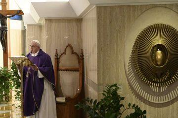 """El Papa Francisco invita a pedir a Dios """"la perseverancia en el servicio"""""""